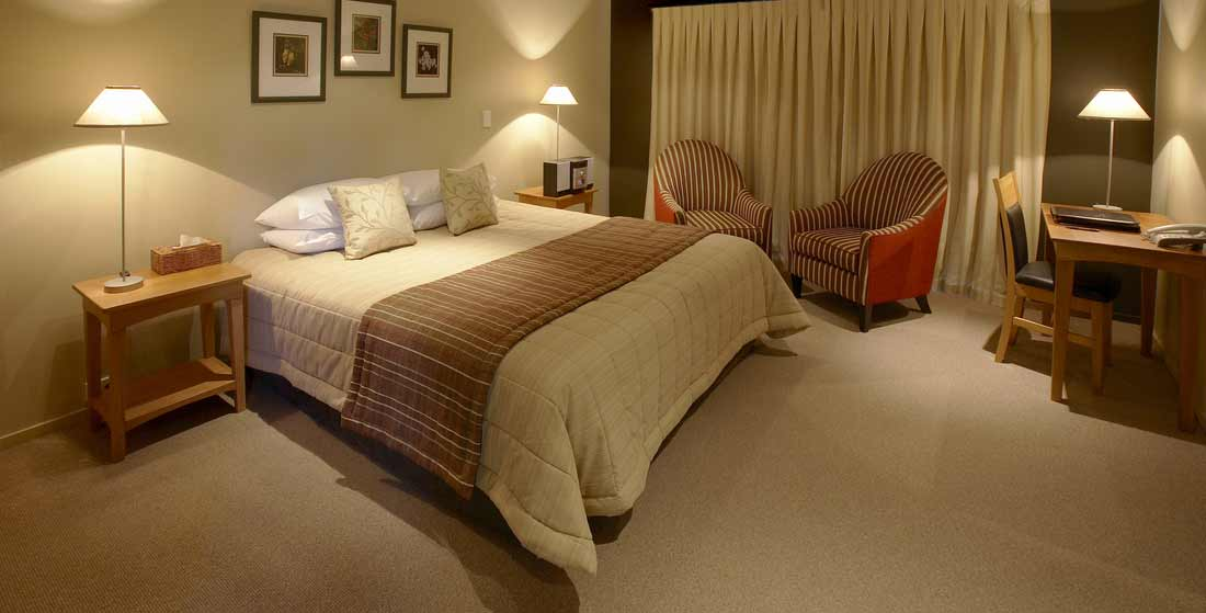 Fox Glacier: Pay for 2 nights, 3rd night is FREE